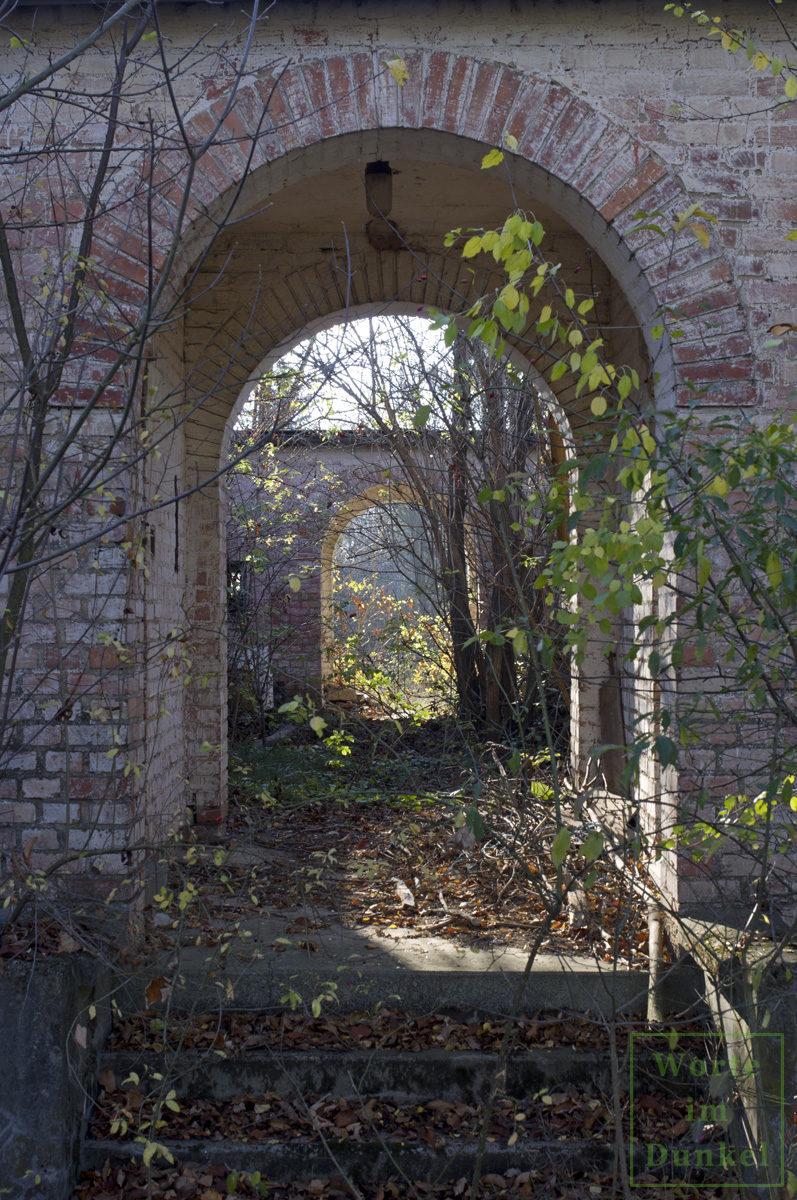 Ruine eines Arbeiterwohnhauses