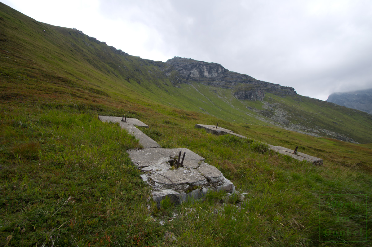 Seilbahnsockel zwischen Talstation und Hoher Kirche