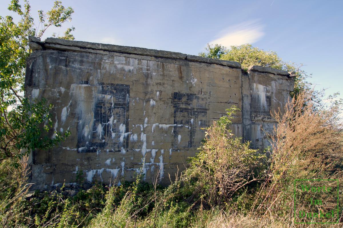 Ein weiterer Bunker mit Fenstertarnung